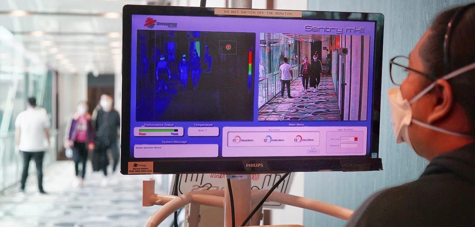 pasted image 0 3 - Kamera wykrywająca gorączkę
